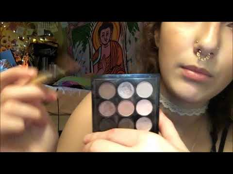 ASMR DOING YOUR MAKEUP ROLEPLAY/PERSONAL ATTENTION