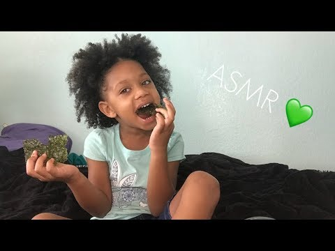 4 Year Old Eating Seaweed 💚 No talking (Extreme Crunchy sounds)