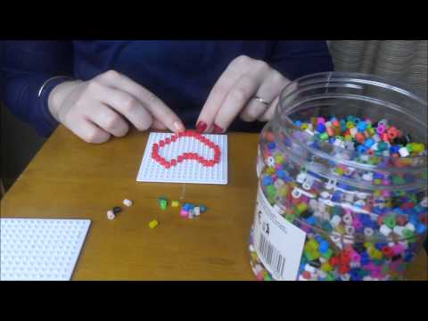 Asmr in French and English !! Playing with Plastic Beads